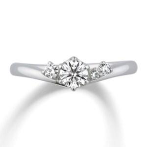 婚約指輪人気3位、指を細く長く見せるソフトなV字ラインが特徴「エンジェルラダー」
