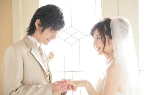 結婚式の準備が始まる前には用意したい結婚指輪のイメージ