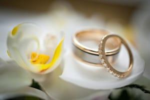 メレダイヤモンドが入っている結婚指輪