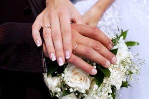 指輪に傷がつく原因イメージ