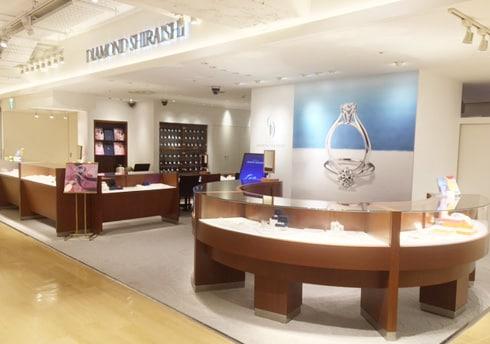 横浜モアーズ店